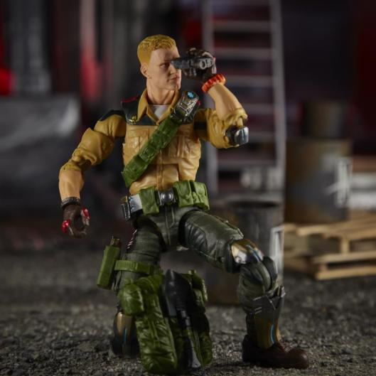 gi joe classified duke figure - on one knee