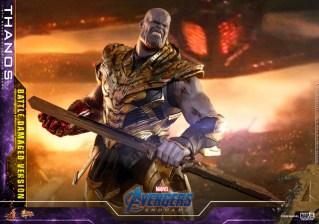 hot toys avengers endgame thanos battle damaged figure - preparing for final fight