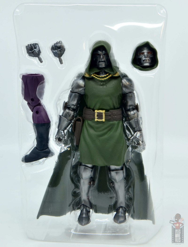 marvel legends doctor doom figure review - figure and accessories in tray