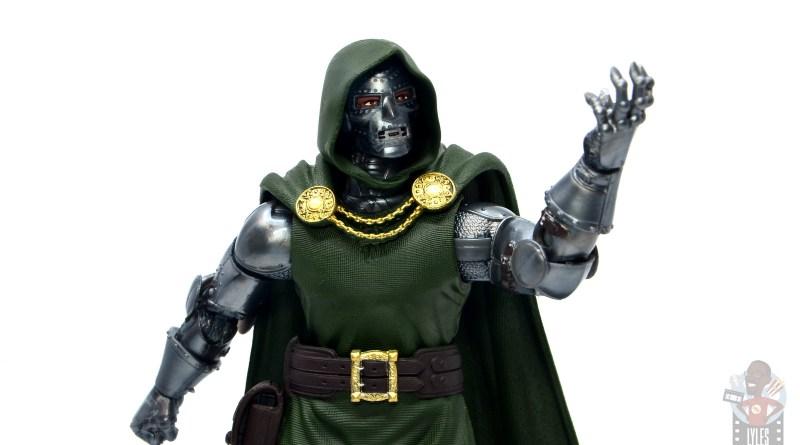 marvel legends doctor doom figure review - lifting hand