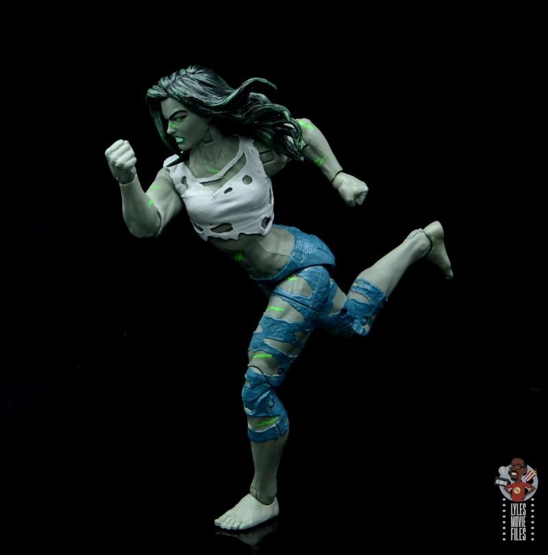 marvel legends she-hulk figure review - running