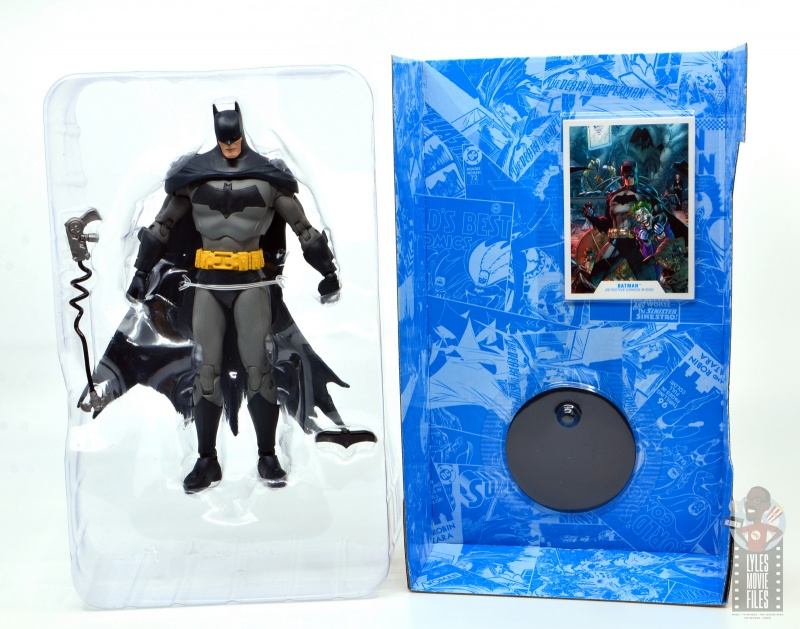 mcfarlane dc multiverse baman figure review - figure in tray and accessories