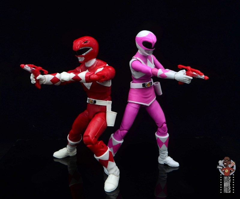 power rangers lightning collection red ranger figure review - back to back firing blasters with pink ranger