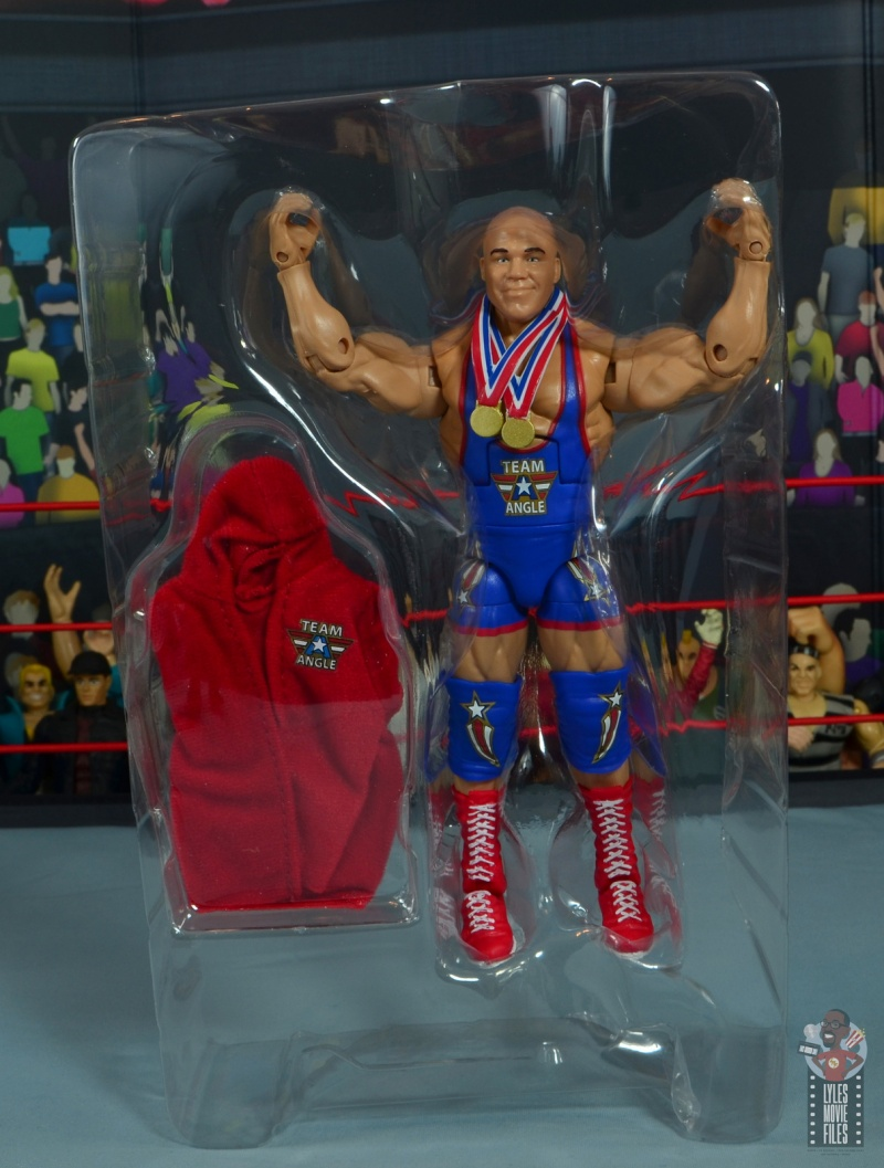 wwe elite 59 kurt angle figure review - accessories in tray