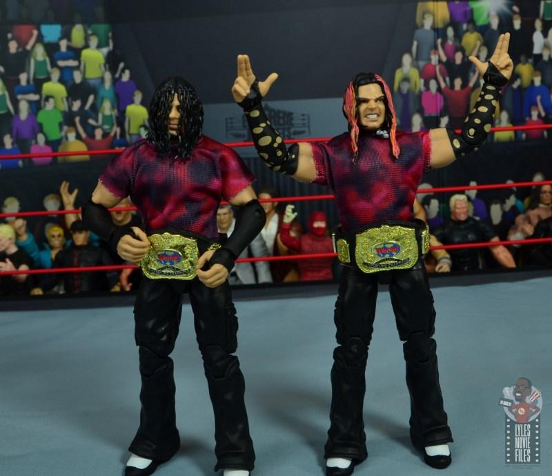 wwe elite the hardy boyz figure set review - wearing wwf tag titles