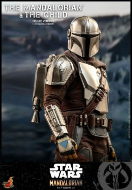 hot toys the mandalorian and the child deluxe figure set - armor detail