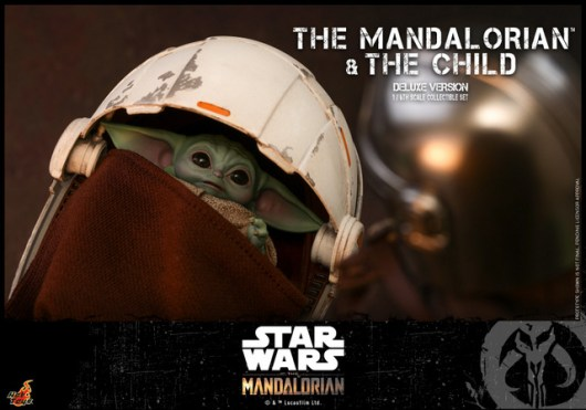 hot toys the mandalorian and the child deluxe figure set - the child in the crib