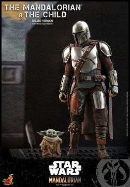hot toys the mandalorian and the child deluxe figure set - walking with the child