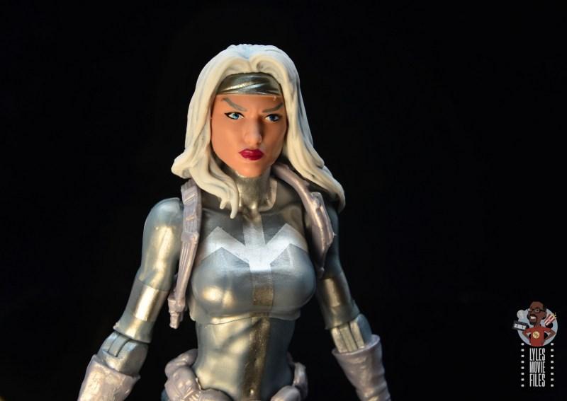 marvel legends silver sable figure review -headsculpt close up
