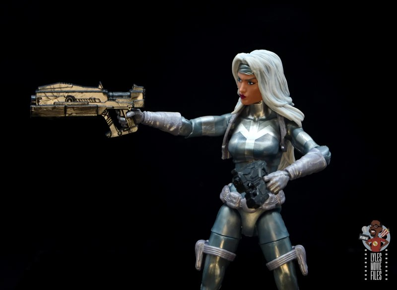 marvel legends silver sable figure review -taking aim