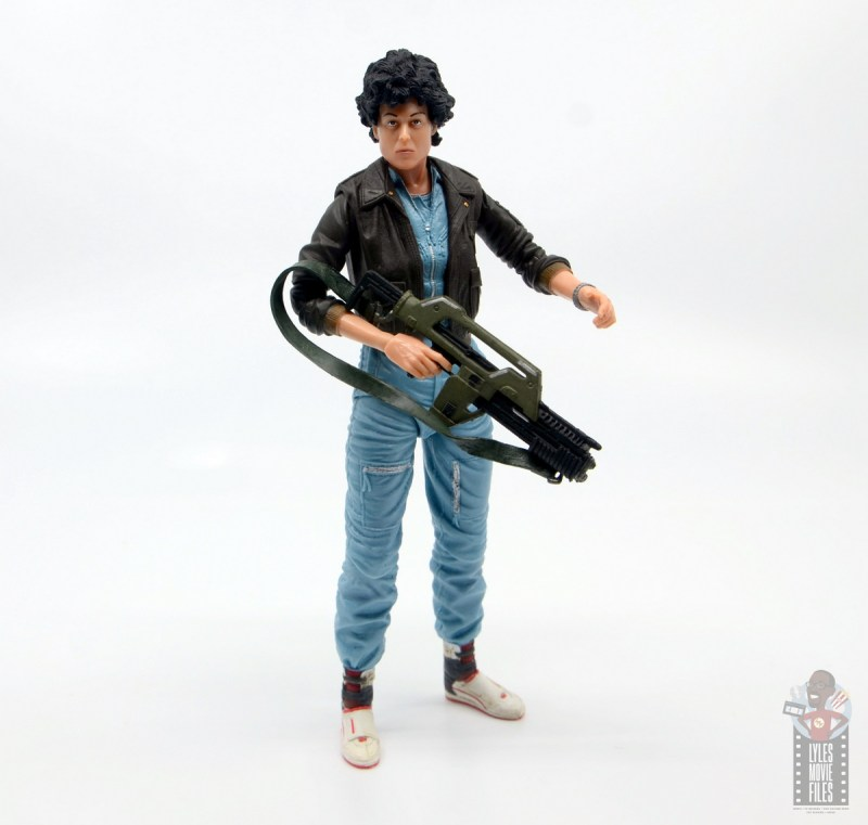 neca aliens ripley bomber jacket figure review - gun at the ready