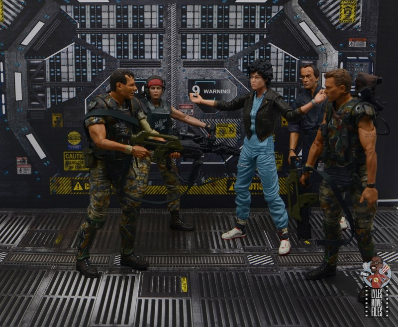 neca aliens ripley bomber jacket figure review - yelling at hudson