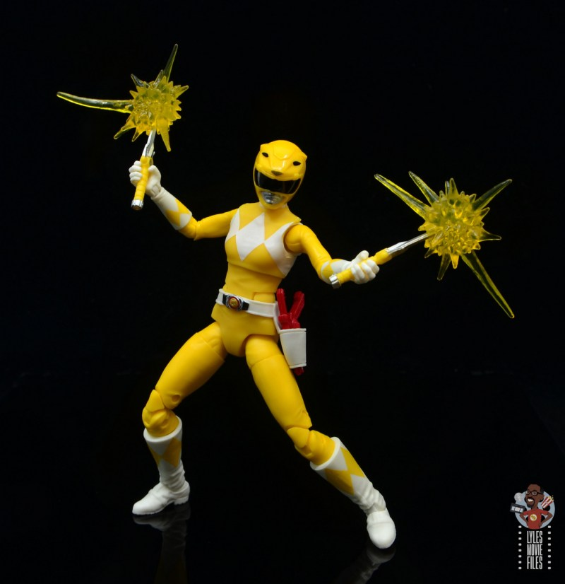 power rangers lightning collection mighy morphin yellow ranger figure review - deflecting attacks