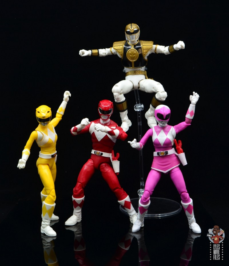 power rangers lightning collection mighy morphin yellow ranger figure review - power rangers battle stance