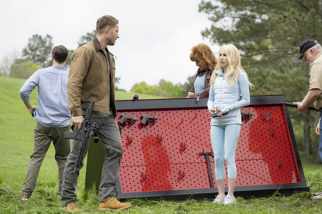 the hunt review - justin hartley and emma roberts
