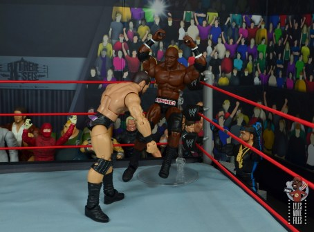 wwe elite 69 bobby lashley figure review - axe handle to bobby roode