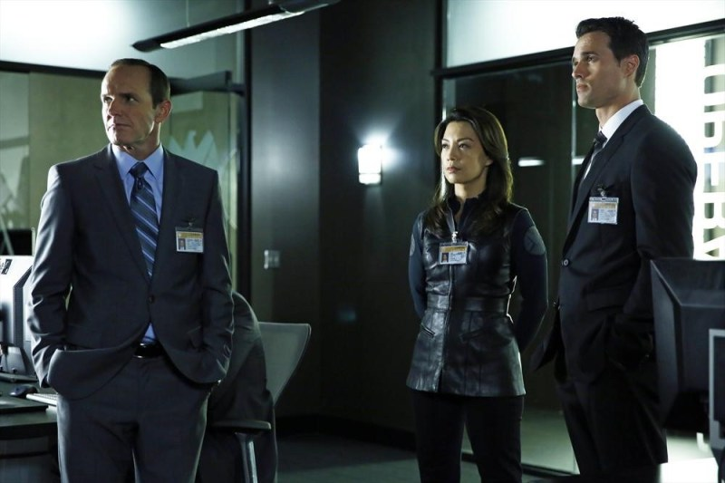 agents-of-shield-the-hub-review-agent-coulson-may-and-ward