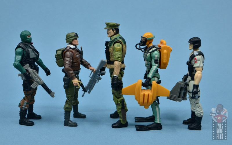 gi joe the eagle's edge figure review set - leatherneck scale with beach head, hawk, wet suit and mainframe