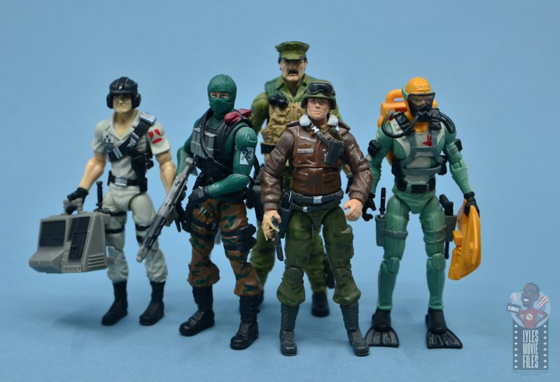 gi joe the eagle's edge figure review set - leatherneck with mainframe, beach head, hawk and wet suit