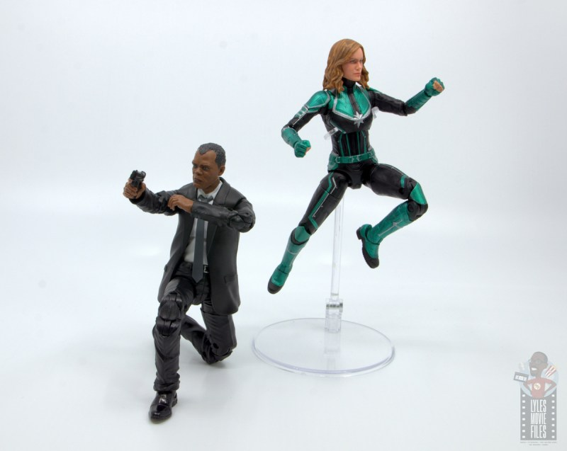 marvel legends captain marvel nick fury figure review - ready for battle with captain marvel