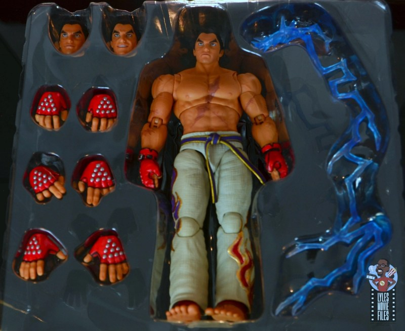 storm collectibles tekken 7 kazuya figure review - accessories in tray