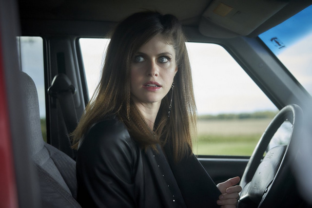 we summon the darkness review - alexandra daddario