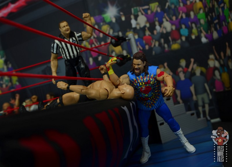 wwe elite #62 dude love figure review - apron elbow to stone cold-001