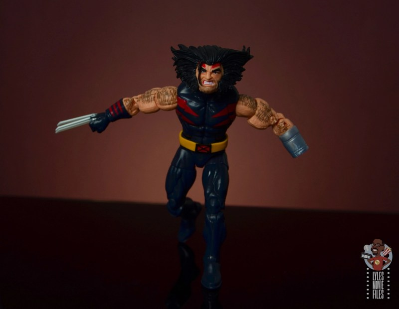 marvel legends age of apocalypse weapon x figure review - charging
