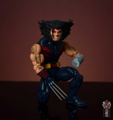 marvel legends age of apocalypse weapon x figure review - kneeling