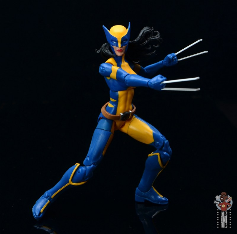 marvel legends wolverine figure review -claws out