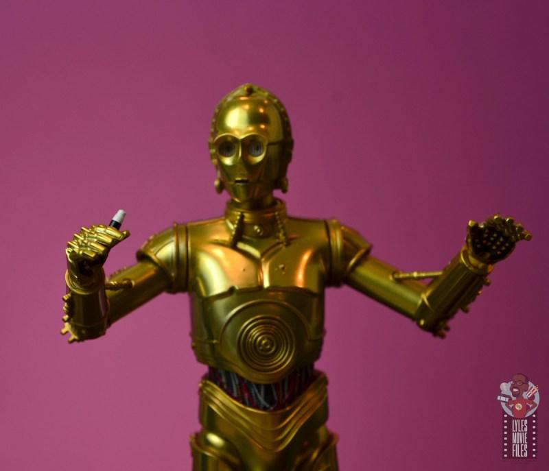 sh figuarts star wars c-3p0 figure review -holding communicator