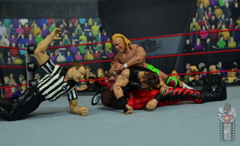 wwe elite hall of champions road dogg figure review - pinning kane
