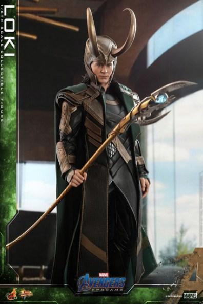 hot toys avengers endgame loki figure - outfit detail