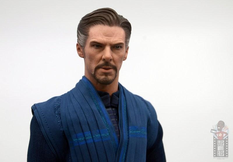 hot toys avengers infinity war doctor strange figure review -close up head sculpt