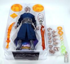 hot toys avengers infinity war doctor strange figure review -inner package 2