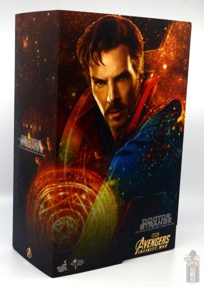 hot toys avengers infinity war doctor strange figure review -package left