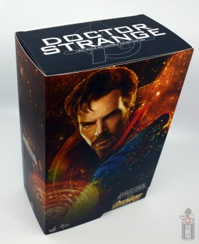 hot toys avengers infinity war doctor strange figure review - package top