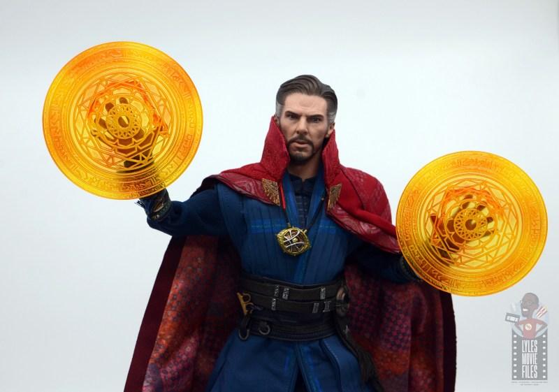 hot toys avengers infinity war doctor strange figure review -raising magic shields