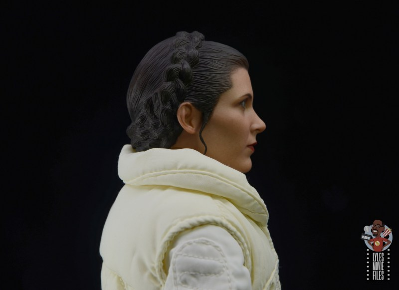 hot toys star wars hoth princess leia figure review - hairstyle side closeup