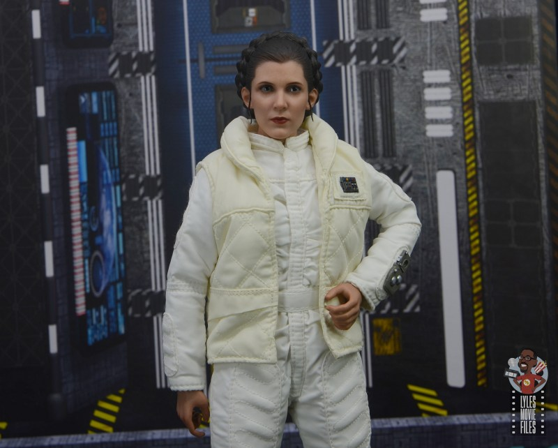hot toys star wars hoth princess leia figure review -hand on hip