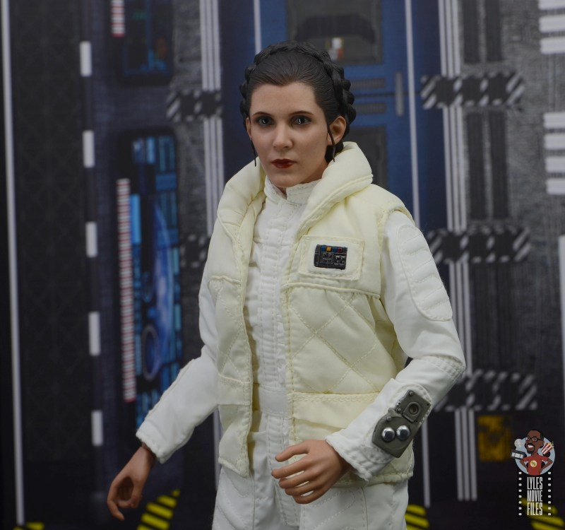 hot toys star wars hoth princess leia figure review -outfit details