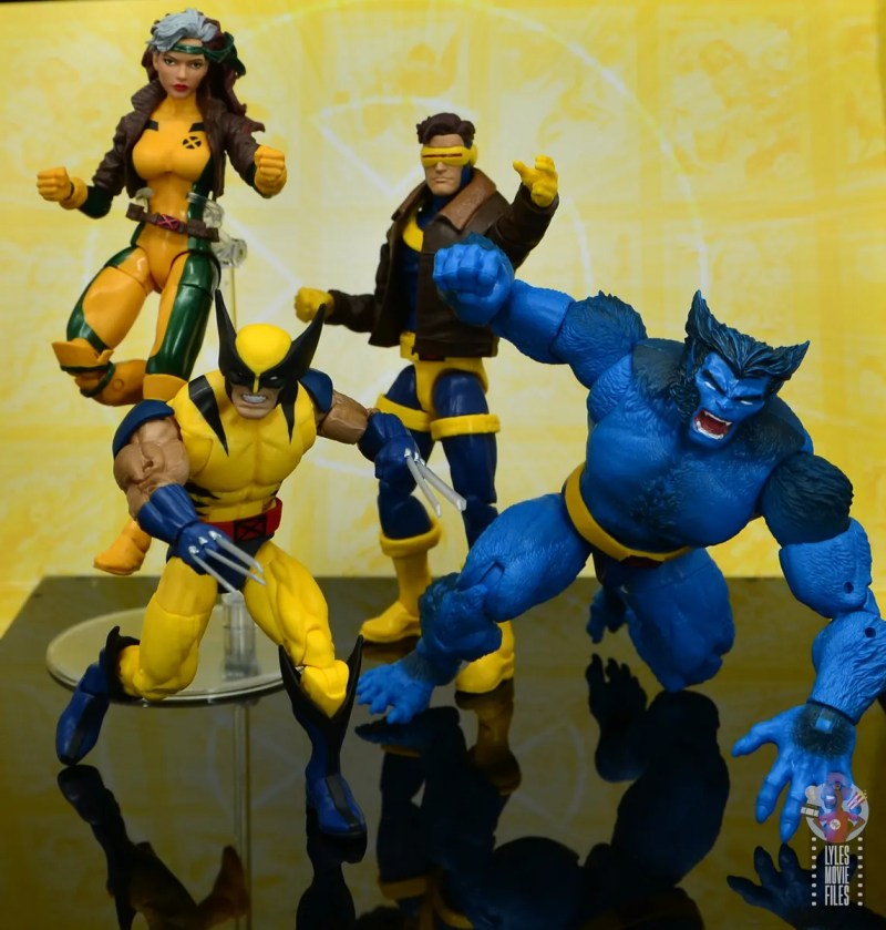 marvel legends cyclops, jean grey and wolverine set review - cyclops leading rogue, wolverine and beast