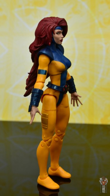marvel legends cyclops, jean grey and wolverine set review - jean grey right side