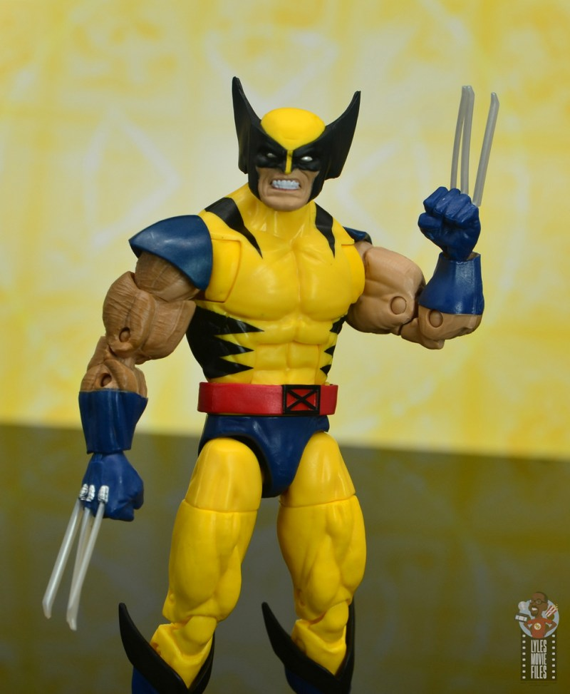 marvel legends cyclops, jean grey and wolverine set review - wolverine with crooked claws