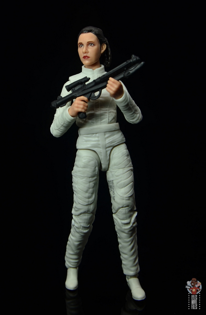 star wars the black series princess leia bespin escape figure review - holding blaster