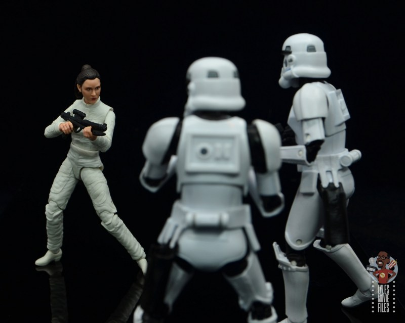 star wars the black series princess leia bespin escape figure review - taking on stormtroopers