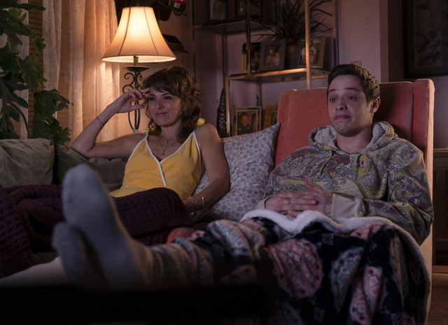 the king of staten island review - marisa tomei and pete davidson
