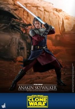 hot toys anakin skywalker clone wars figure -blocking with lightsaber