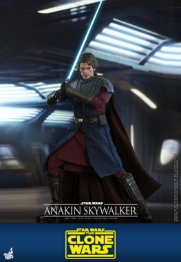 hot toys anakin skywalker clone wars figure -with lightsaber