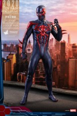 hot toys spider-man 2099 figure - standing